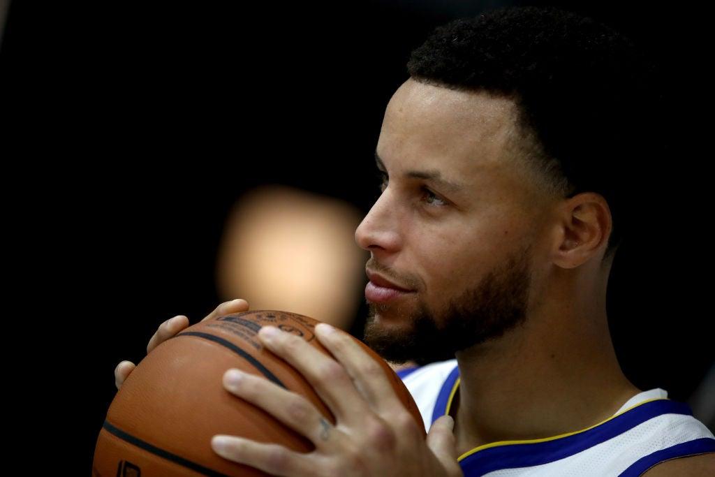 Stephen Curry está de regreso a los Warriors en proceso de recuperación