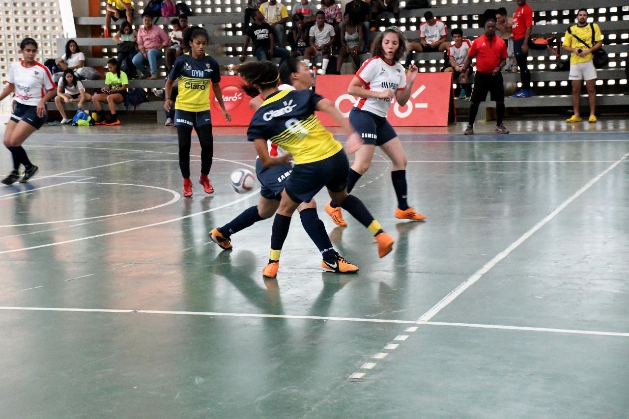 UNPHU y O&M avanzan a finales del Circuito Sur femenino de Copa Universitaria de Futsal