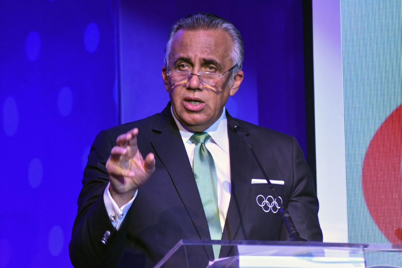 Thomas Bach congratula a Luis Mejía por  su elección como presidente de la ODECABE
