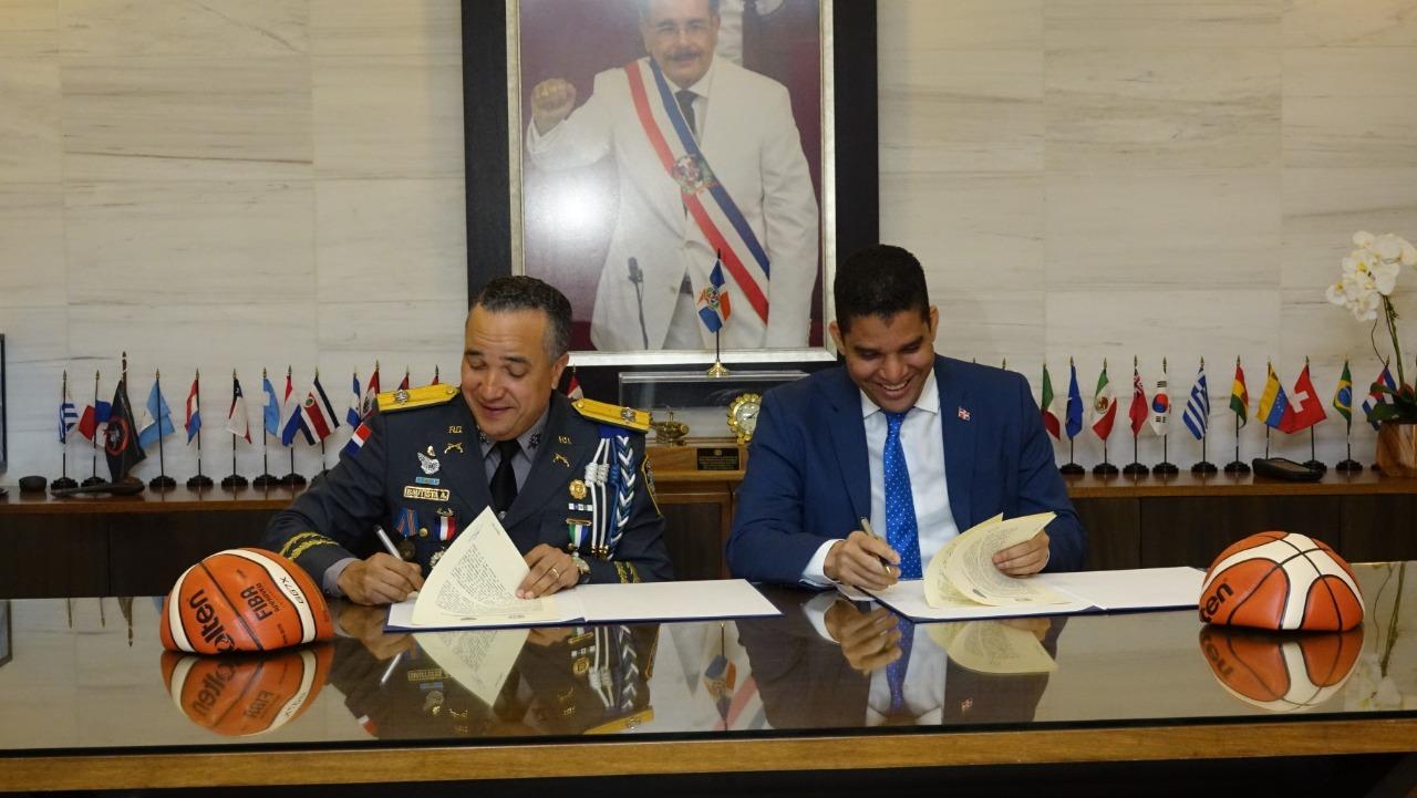 Fedombal y Policía Nacional firman acuerdo para seguir fomentando el espíritu deportivo