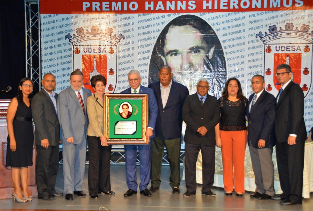 Udesa honra memoria Adriano Miguel Tejada y Héctor -Tito- Pereyra