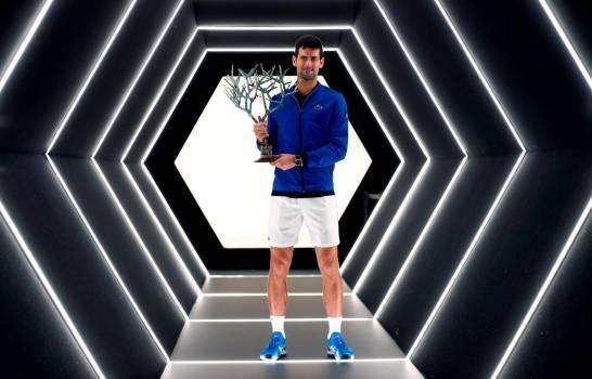 Djokovic logra quinto título del Master 1000 de París