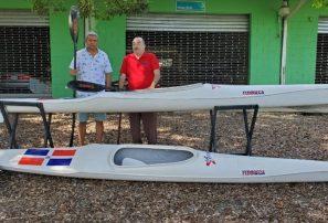 Asociación de Canotaje de Samaná recibe embarcaciones de kayak