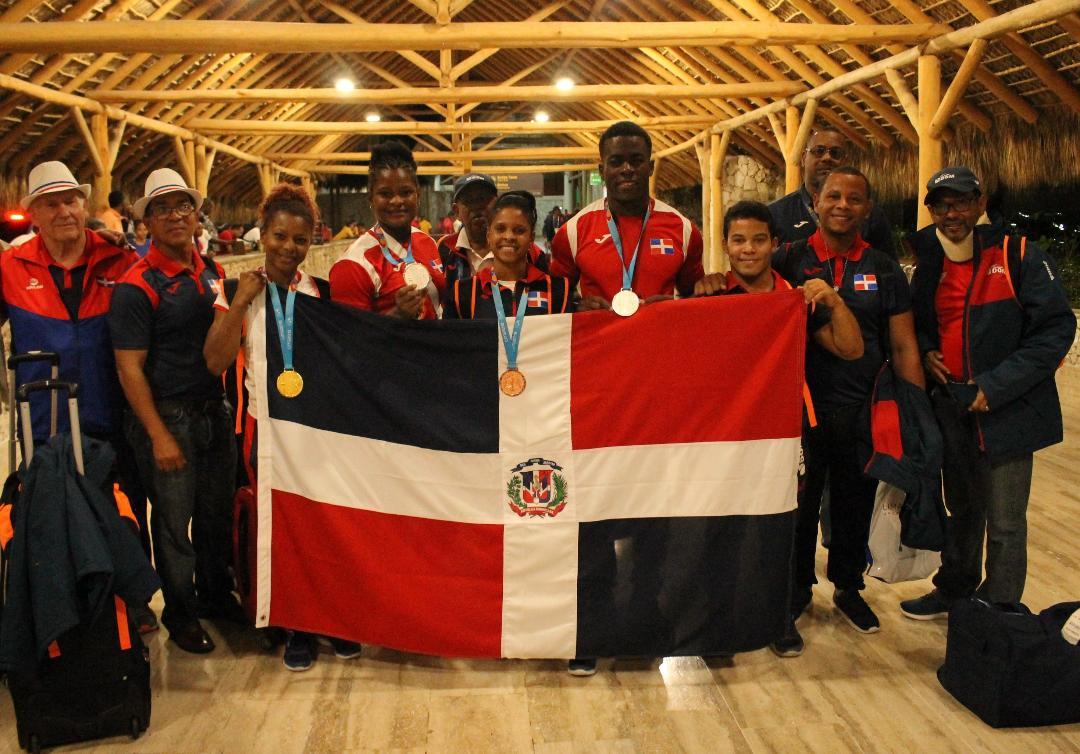 Pabellón de la Fama dedica Ceremonial delegación Panam Lima