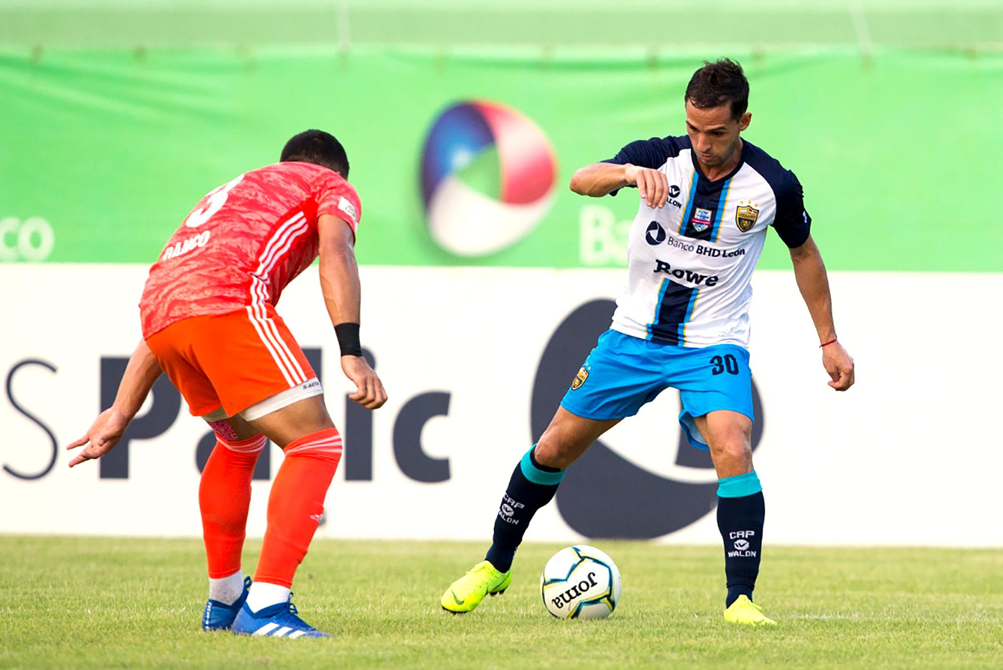Gran Final LDF Atlético Pantoja y Cibao  FC al primer round en el Félix Sánchez