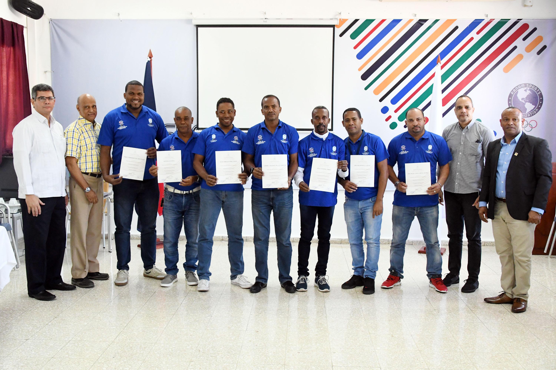 Técnicos califican paso de avance curso Administración Deportiva