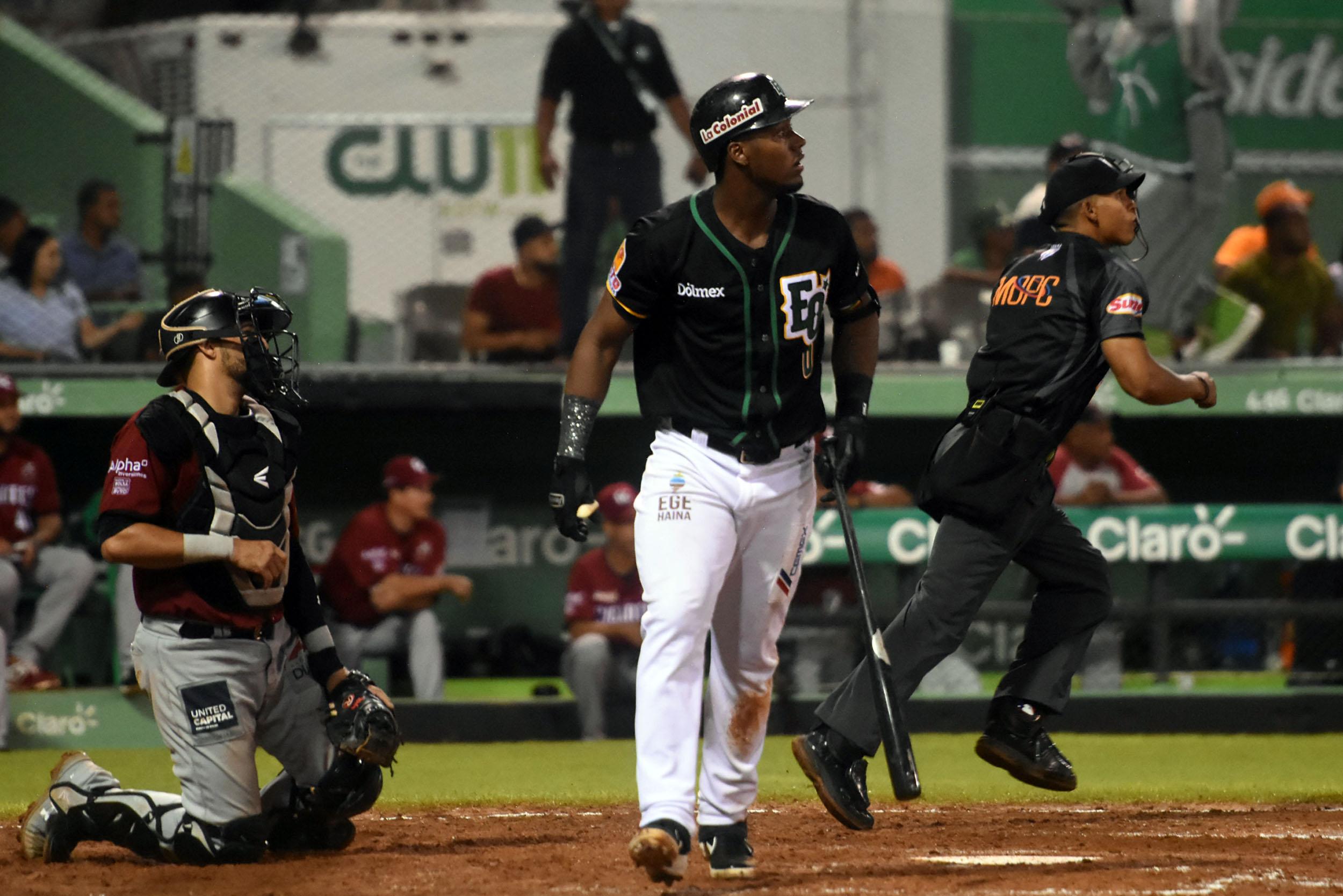 Estrellas dejan tendidos a Gigantes; Toros no paran; Richelson Peña duerme bates de Licey