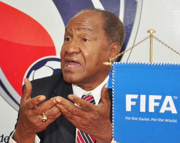 Osiris Guzmán entabla demanda a la FIFA por daños y perjuicios