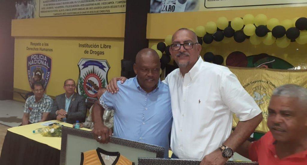 Club Rafael Barias distingue a los inmortales Muñoz y Tapia
