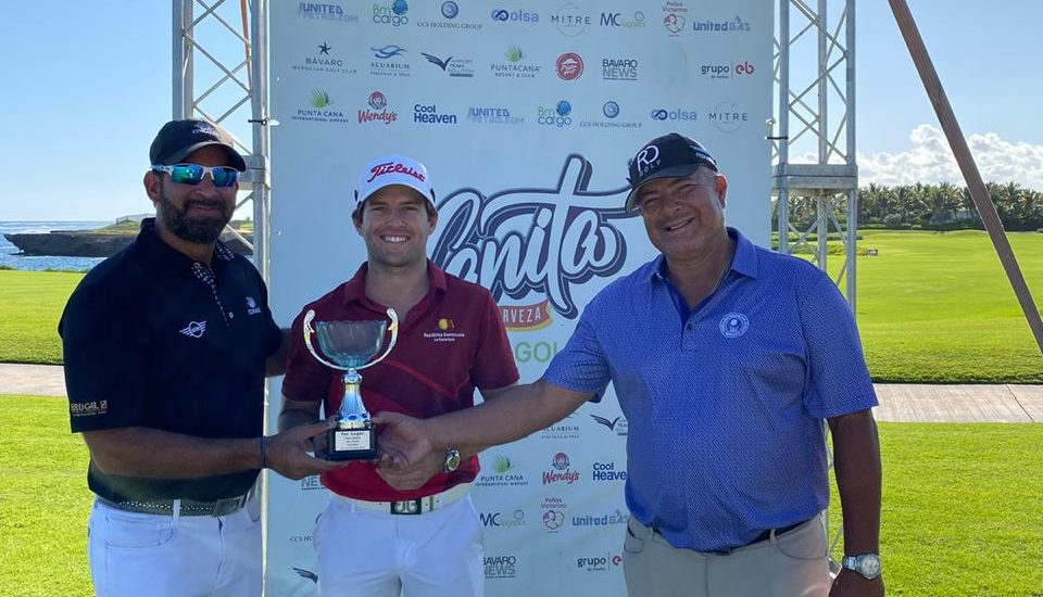Willy Pumarol gana cuarta parada de golf en Punta Cana