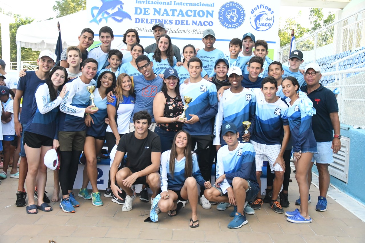 Delfines del Naco, campeones invitacional internacional natación
