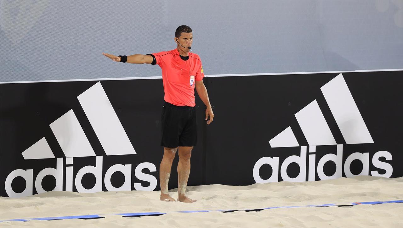 Árbitro RD Juan Ángeles destacó en el mundial de fútbol playa