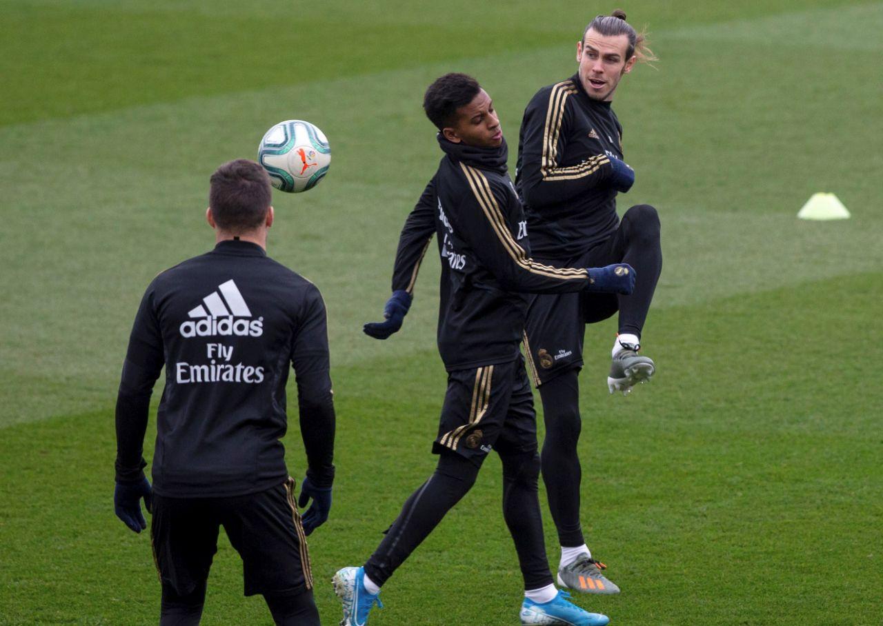 El Real Madrid cierra la preparación del clásico sin James