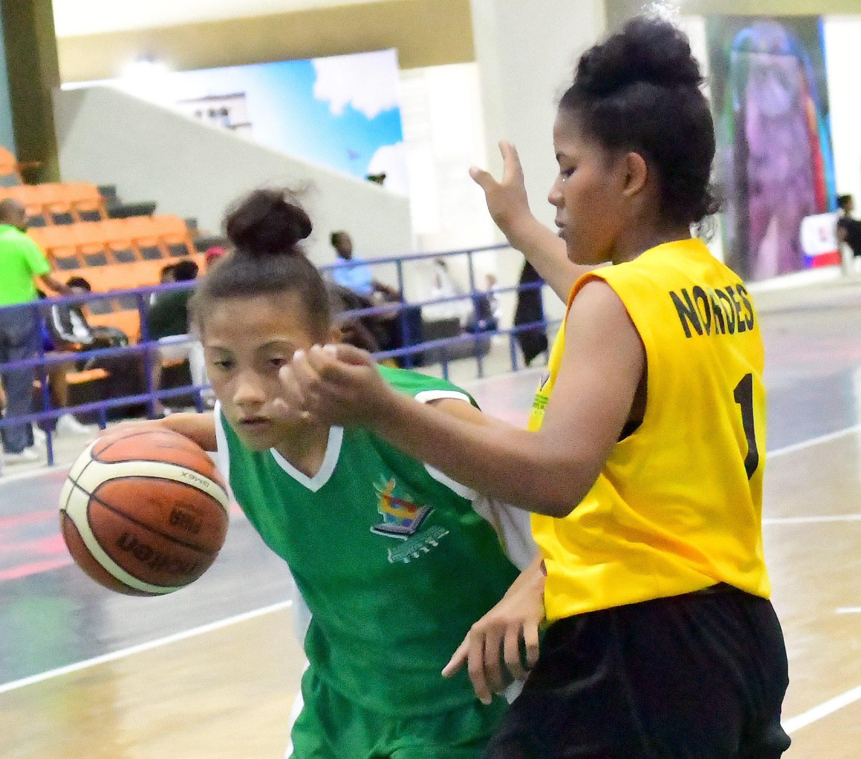 Deportes de conjunto dominan escenario de finales este lunes Juegos Escolares