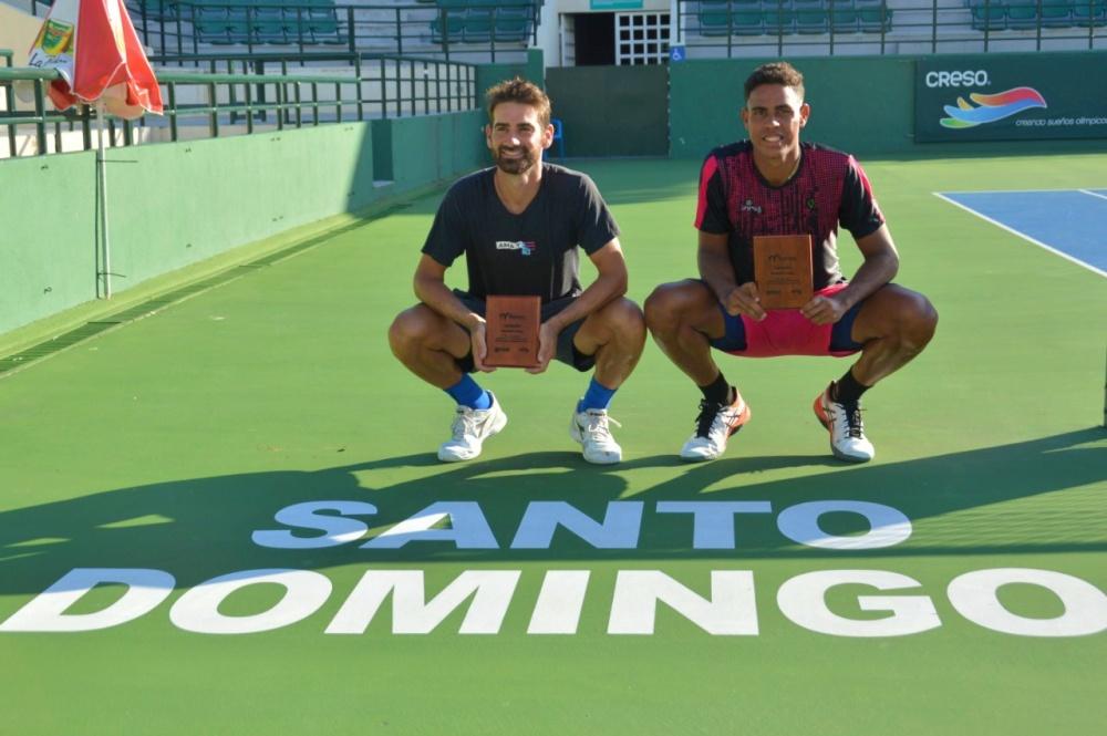Olivares alza título en dobles de la segunda semana del M15 Santo Domingo