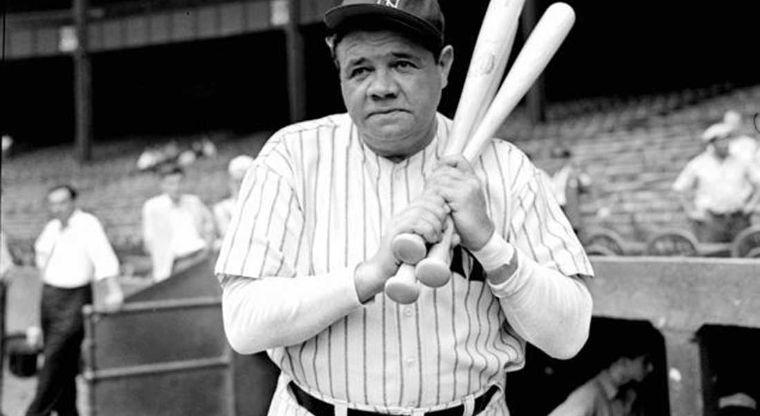 Subastan bate de Babe Ruth con que pegó cuadrangular 500