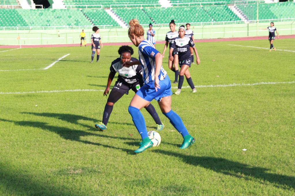 Liga de Fútbol Femenino inició con victoria de Bob FC ante Delfines