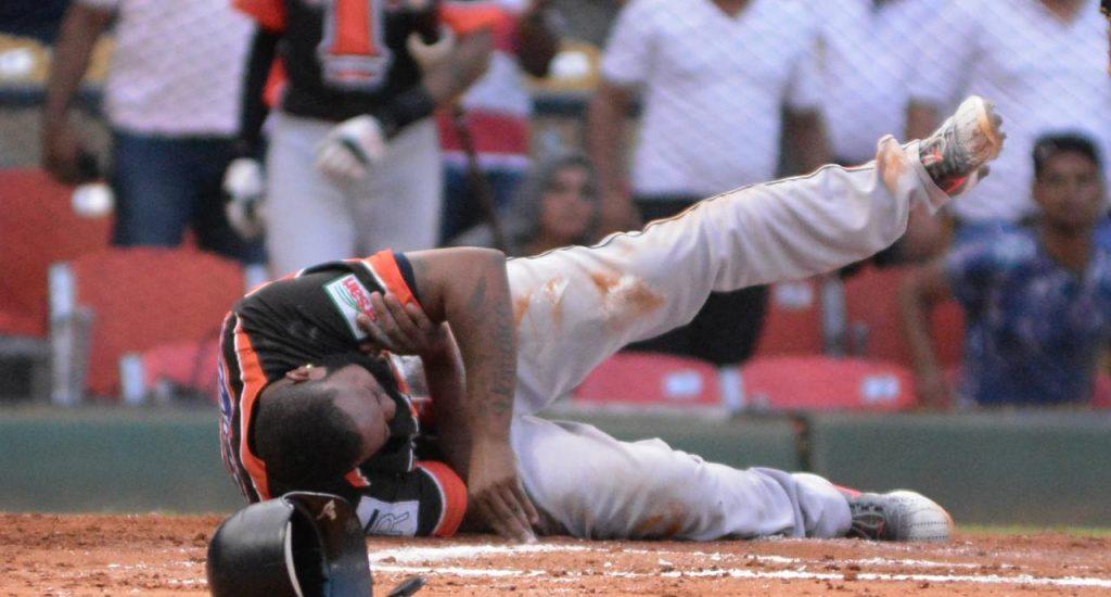 Yamaico Navarro sufre grave lesión en hombro izquierdo