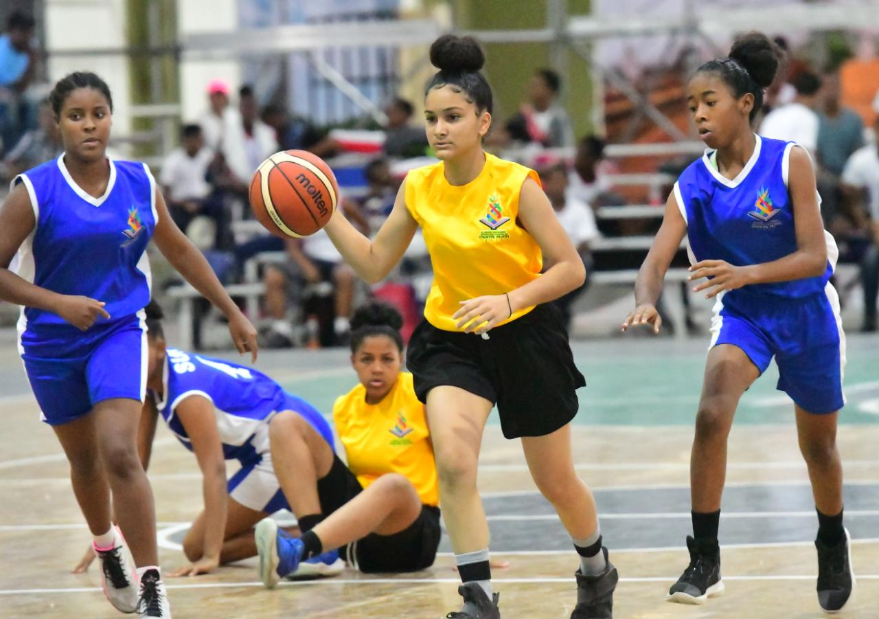 Nordeste vence al Sur en baloncesto femenino de Juegos Escolares