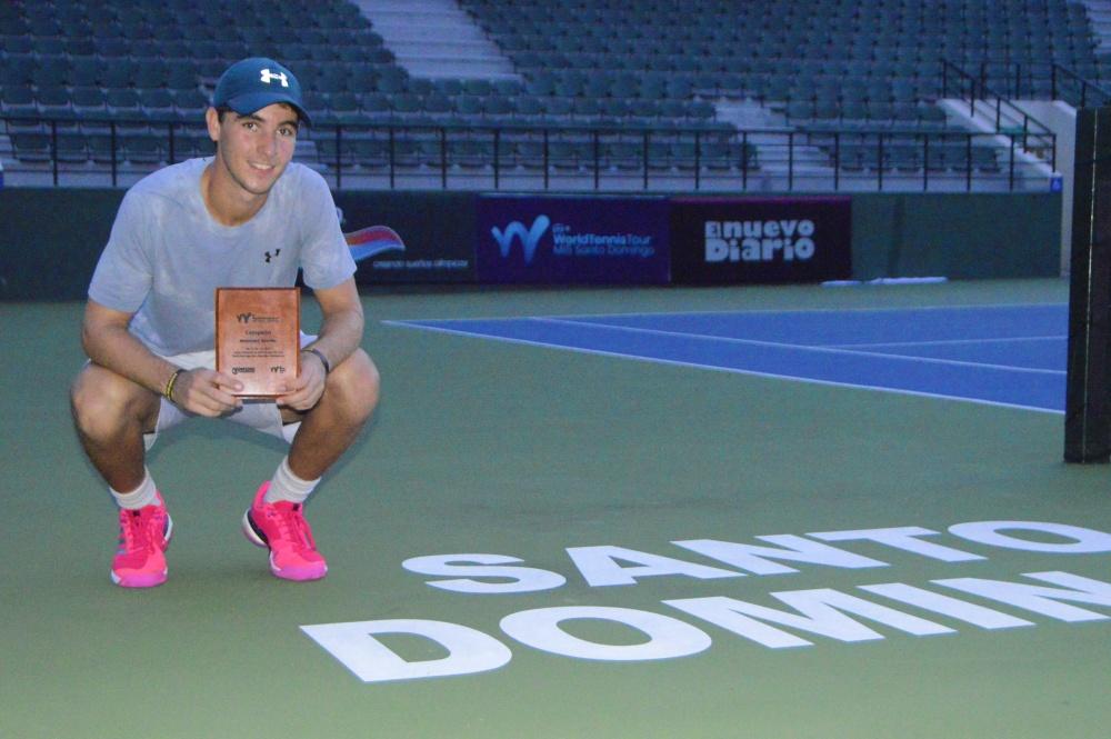 Peter Bertran triunfa en final M15 Santo Domingo de tenis y consigue primer título