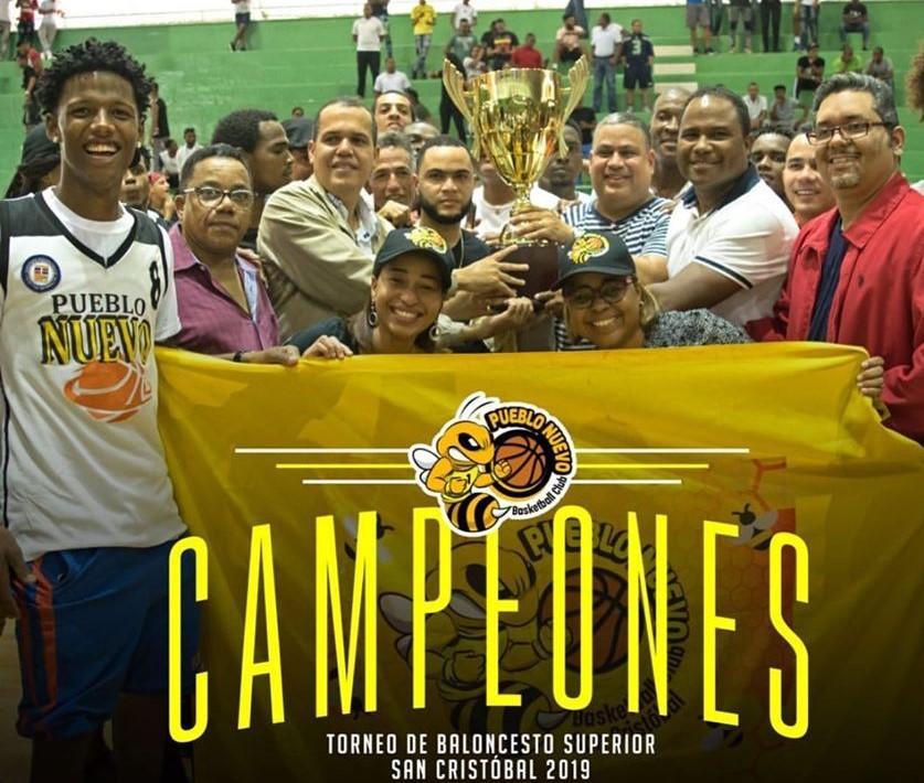 Club Pueblo Nuevo campeón torneo basket superior de San Cristóbal