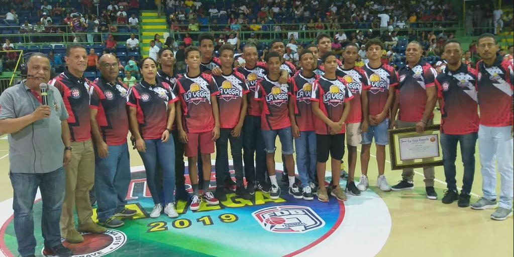 Equipo Dosa empató la serie final basket de La Vega