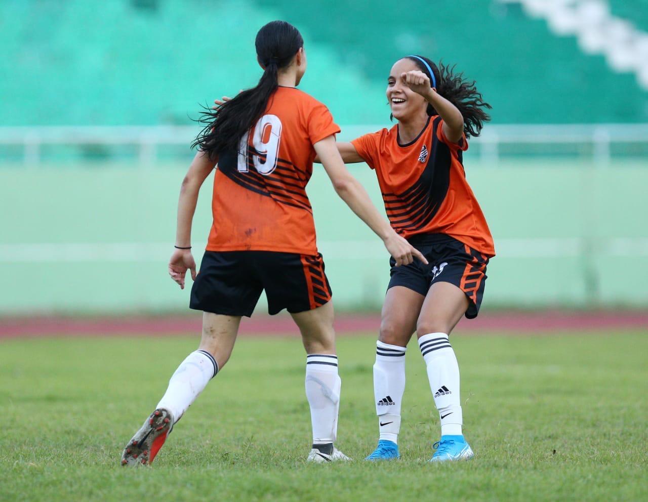 Bob Soccer School y San Isidro ganan en segunda semana de Ligafemdo