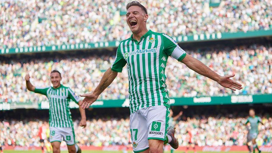 Joaquín lleva al Betis al tercer triunfo seguido y frena al Athletic