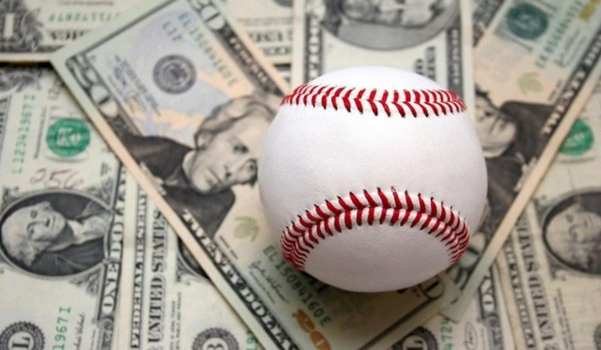 Salario promedio de MLB cae por segundo año consecutivo