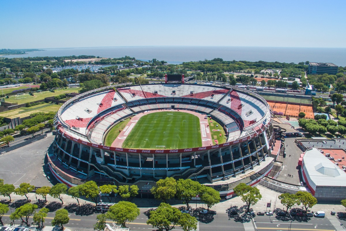 Desalojan estadio de fútbol Monumental en Argentina por amenaza de bomba