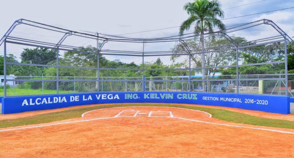 Inauguran moderno estadio de béisbol en Soto, La Vega