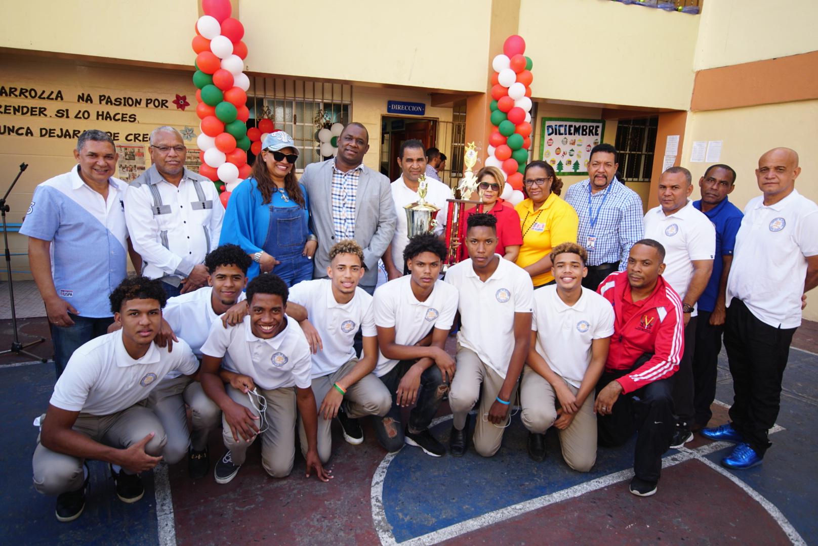 Campeones del baloncesto en Juegos Escolares podrían representar el país a nivel internacional