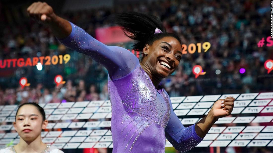 AP nombra a Simone Biles como la Mujer Deportista del Año por 2da vez