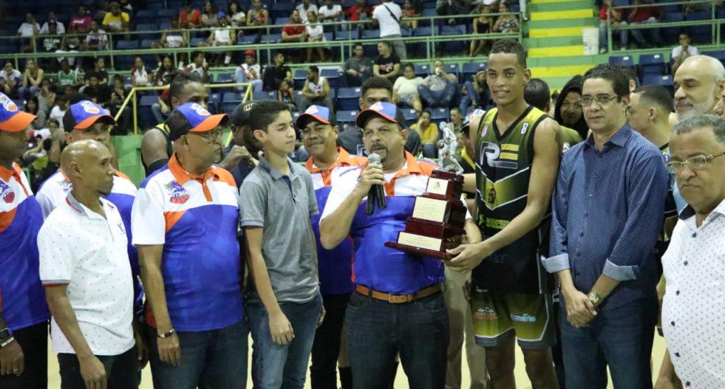 Rebeldes igualan serie Basket Superior La Vega