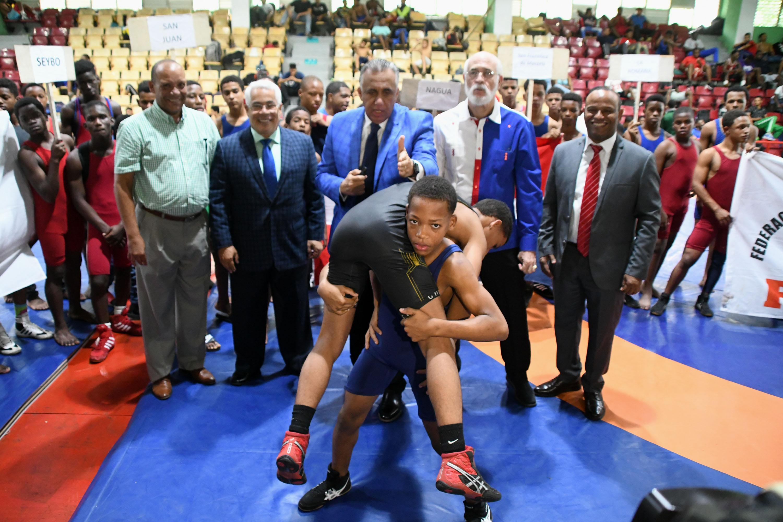 Mao conquista corona Campeonato Nacional de Lucha Copa Navideña