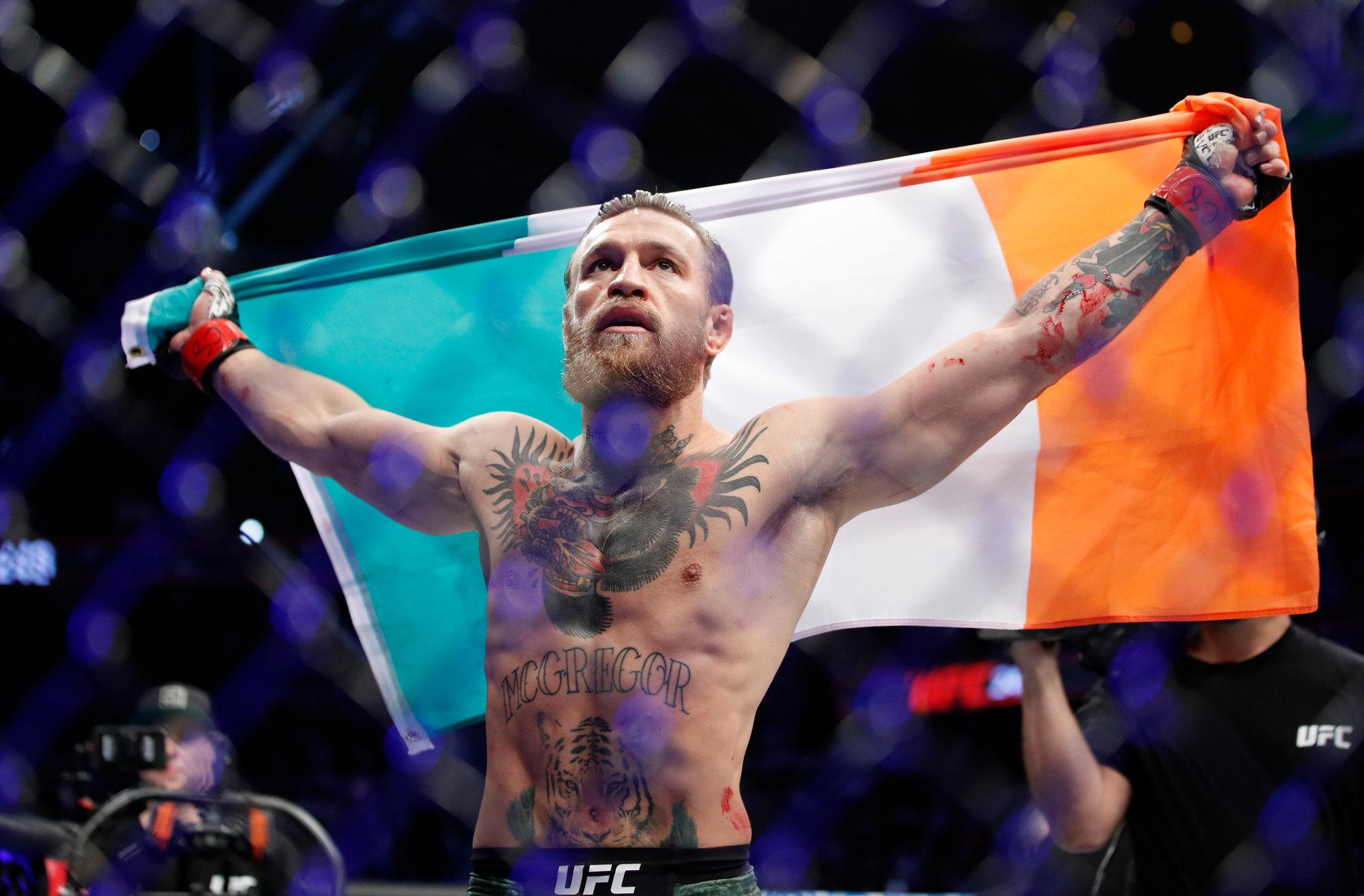 Conor McGregor gana en 40 segundos primera pelea de UFC después de 15 meses