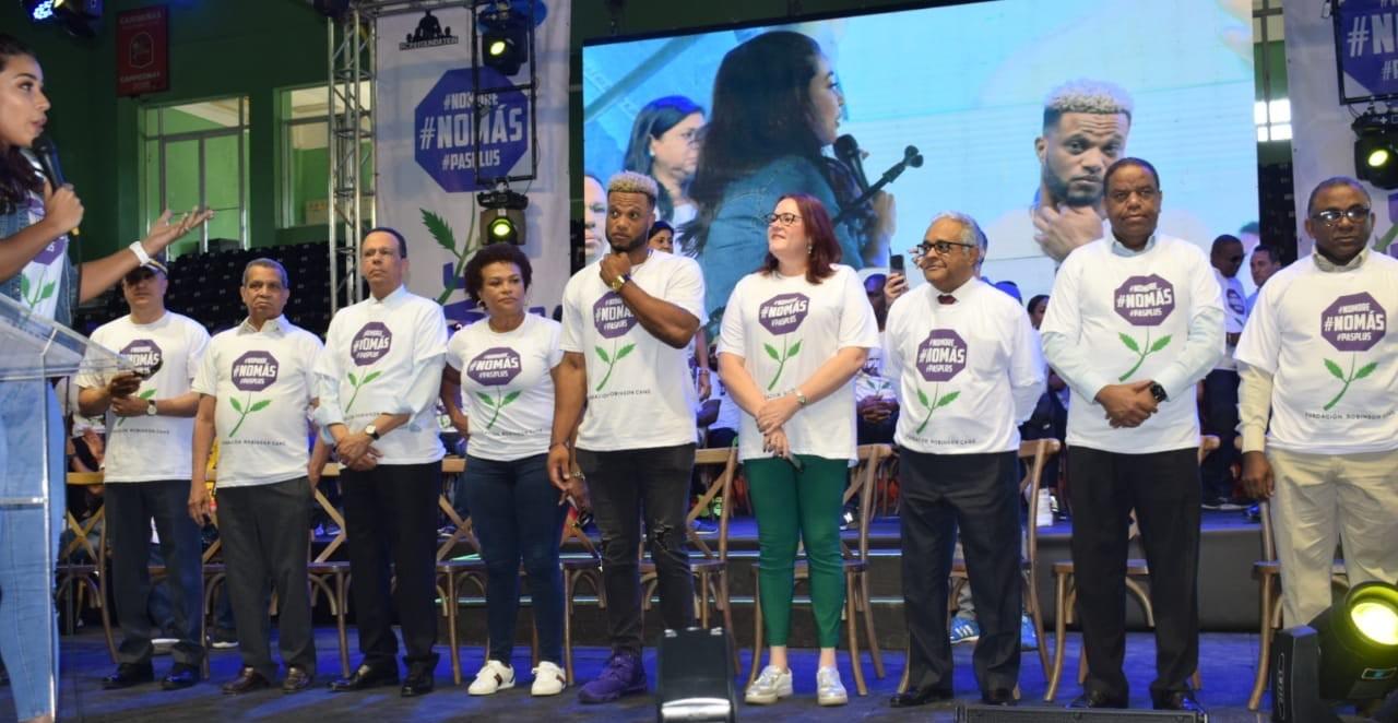 Robinson Canó desborda apoyo en marcha por la No Violencia Contra la Mujer