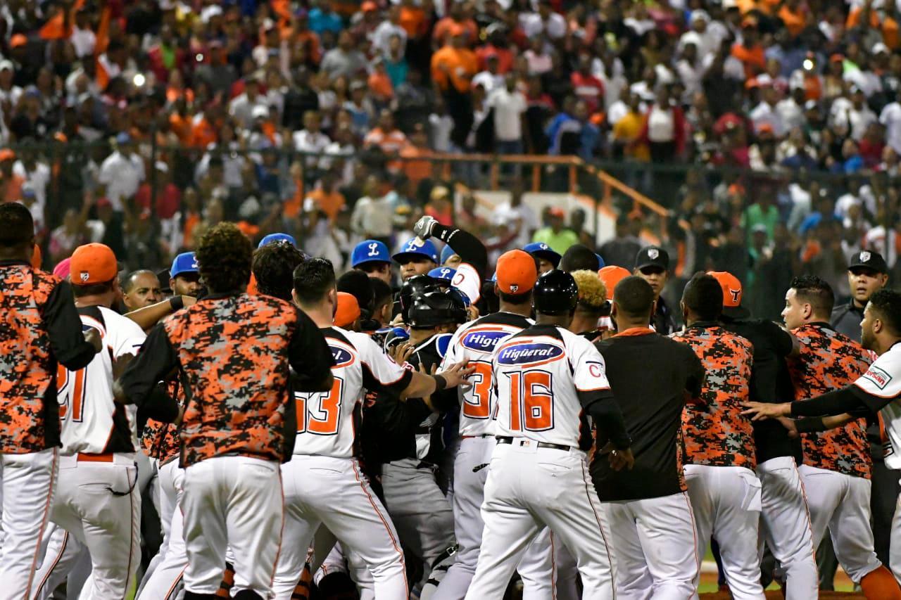 Lidom suspende comentarista de los Toros, tras responsabilizar a Urueta de pelotazos