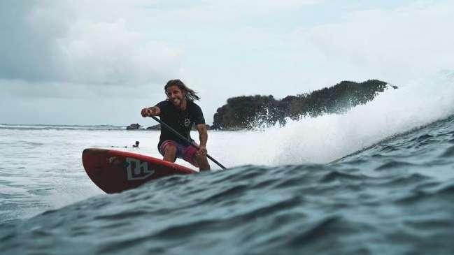 Policía filipina ultima surfista español; asegura era traficante drogas