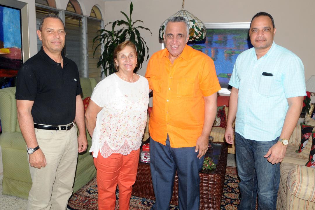 Dirigentes realizan tradicional visita a viudas de deportistas fallecidos