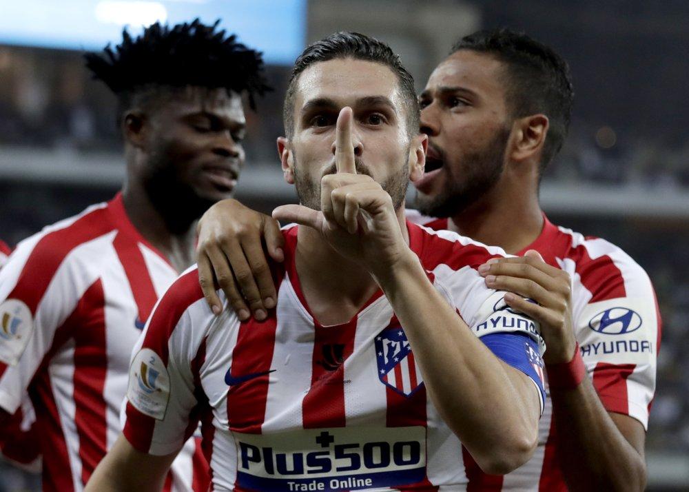 Atlético de Madrid deja fuera de la Supercopa española a Barcelona
