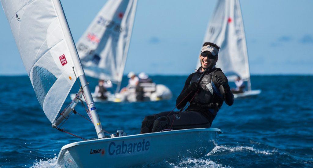 Raúl Aguayo sale al frente en apertura regata Regata Viva Resorts