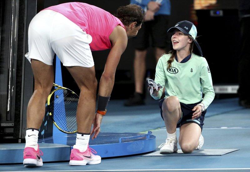 Rafael Nadal derrota a Federico Delbonis y avanza a tercera ronda en Australia