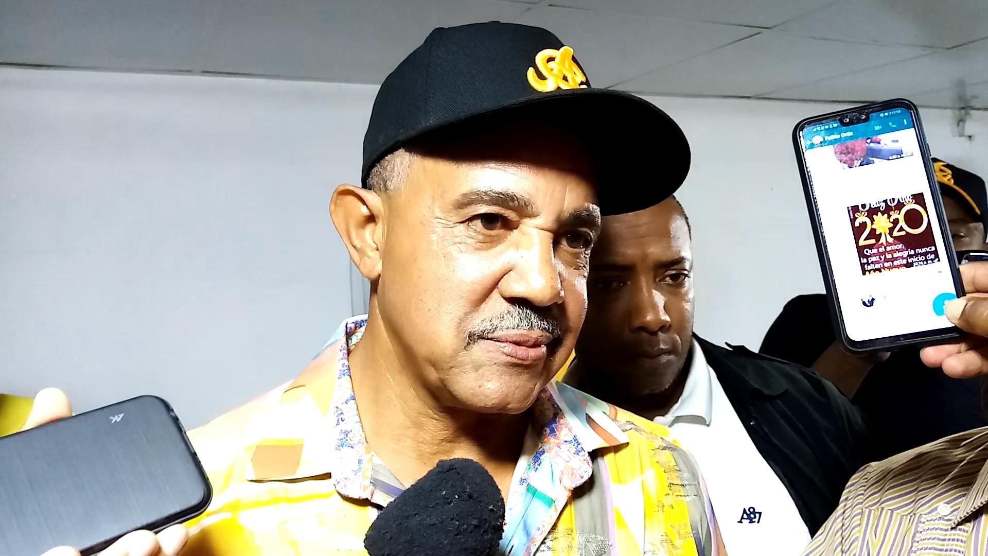 """Peña considera ejecutivos equipos Lidom están """"tirando por el suelo"""" dirigentes locales"""