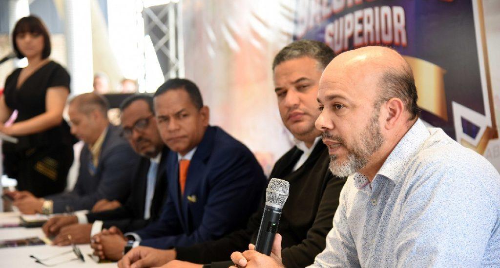 Realizan presentación calendario torneo superior basket Santiago