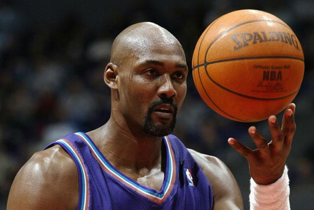 Karl Malone hará saque de honor este miércoles en basket Santiago