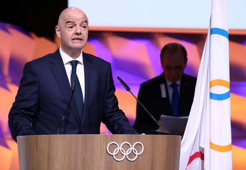 Presidente de la FIFA acepta que el fútbol está en riesgo debido al coronavirus