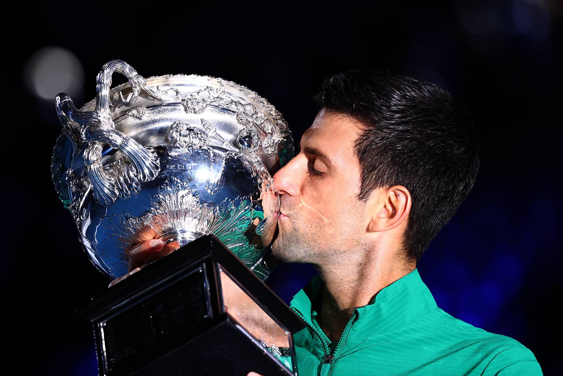 Djokovic hace historia y es campeón por octava vez en Melbourne