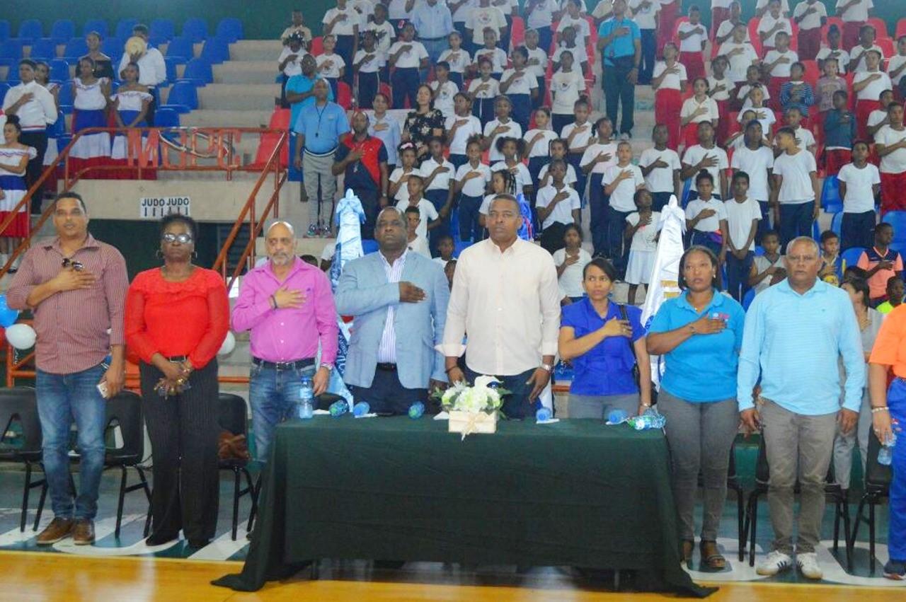 Inefi inaugura primer torneo iniciación escolar baloncesto mixto