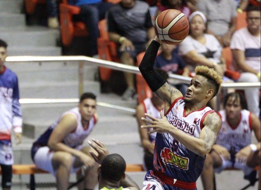 Víctor Liz pone números para la historia en Baloncesto Superior de Santiago